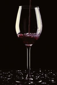 Vin der bliver skænket